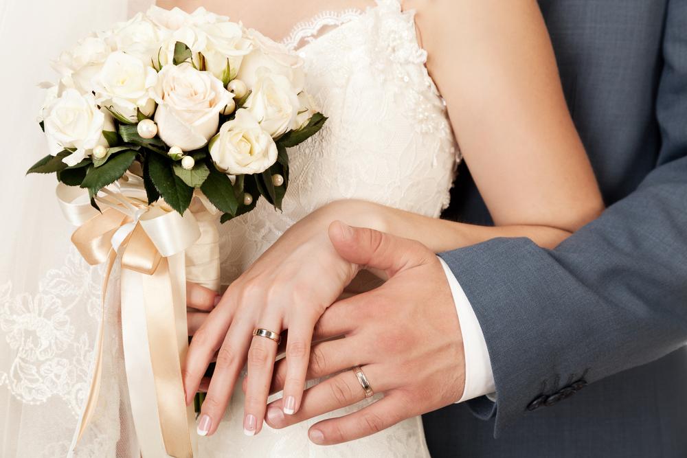 指毛が生えていると結婚指輪をはめるのが恥ずかしい、対策法はある?